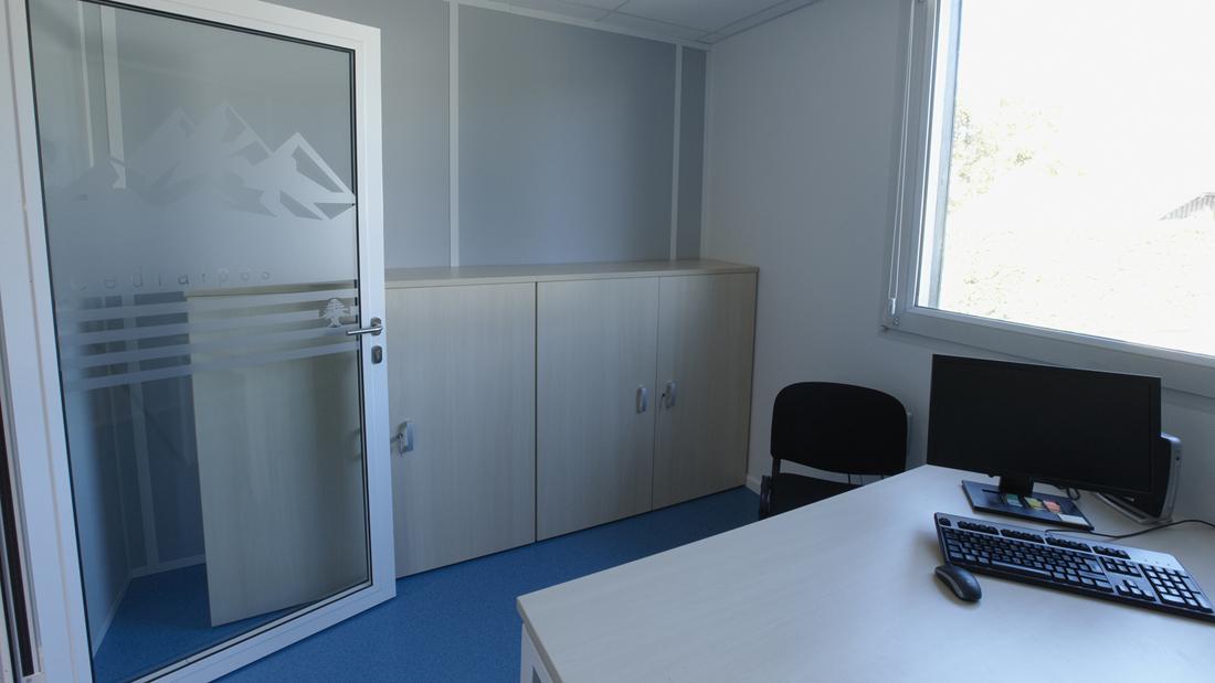 agencement de bureaux professionnels copernic. Black Bedroom Furniture Sets. Home Design Ideas
